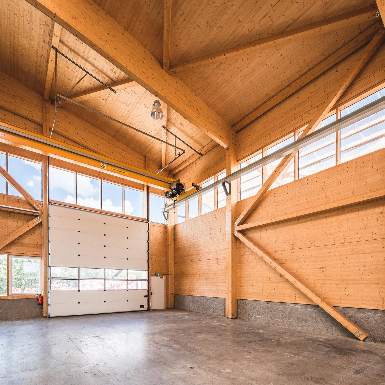 unsere neue halle zur wandproduktion komplett aus holz. Black Bedroom Furniture Sets. Home Design Ideas
