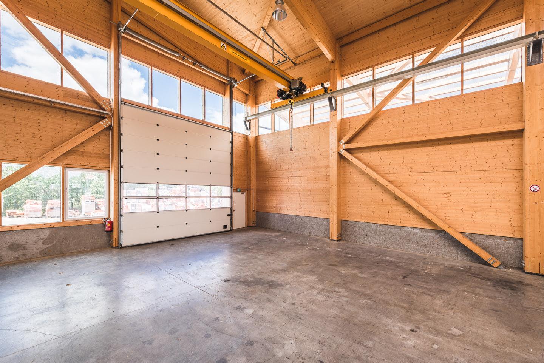 unsere neue halle zur wandproduktion komplett aus holz kreiseder holzbau. Black Bedroom Furniture Sets. Home Design Ideas